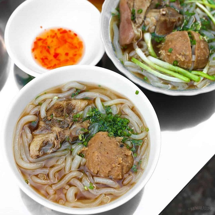 address of snacks in Phu Quoc -banh canh Hanh