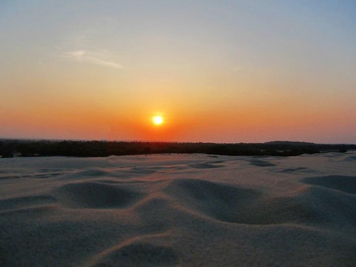 Đồi cát vàng Nhĩ Hạ - ngắm cảnh hoàng hôn