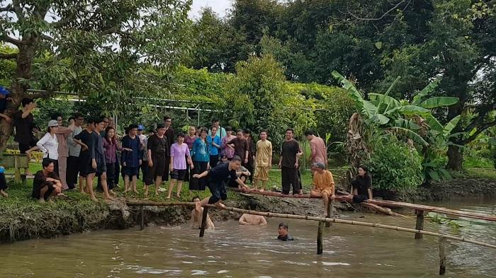 Khu du lịch sinh thái Lung Cột Cầu - trò chơi dân gian