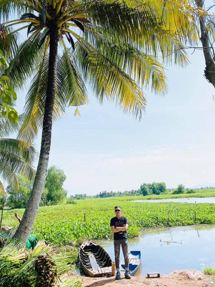 vẻ bình yên - nét nổi bật của Hồ Bàu Ngừa