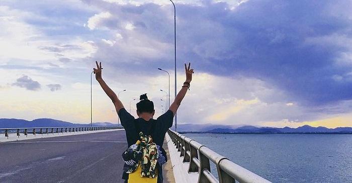 kinh nghiệm du lịch Quy Nhơn 3 ngày 2 đêm - hóng gió cầu Thị Nại