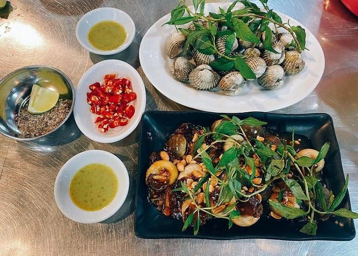 kinh nghiệm du lịch Tết Côn Đảo - ăn hải sản