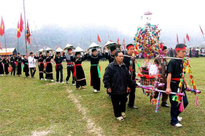 Cage festival - the traditional festival in Cao Bang is famous near and far