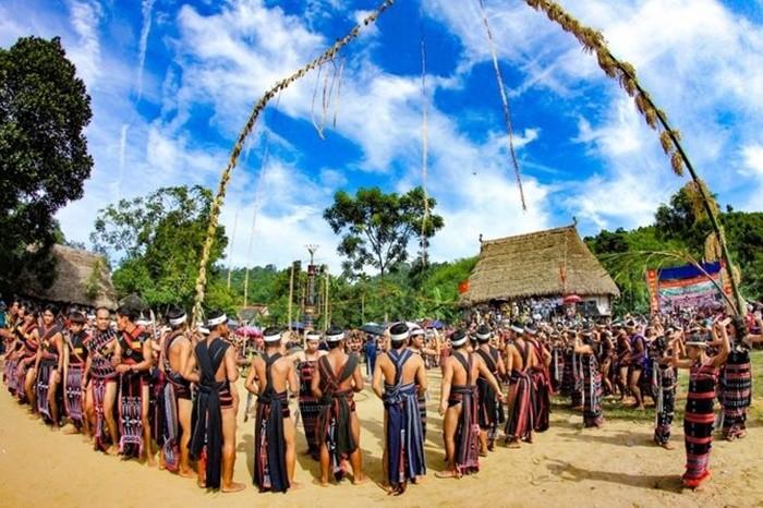 The most unique festivals in Kon Tum - the new rice celebration