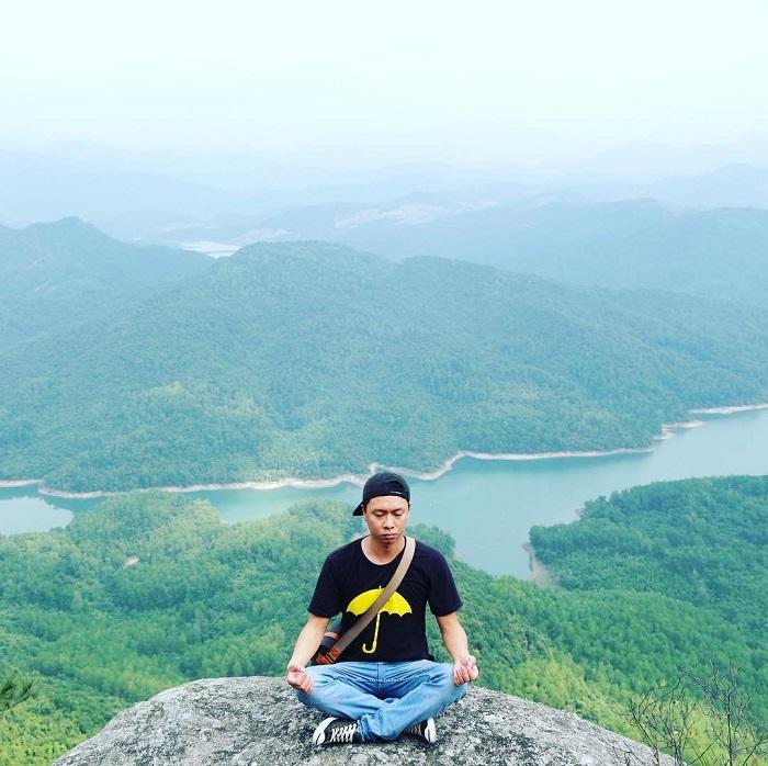 Rock Chong Quang Ninh - a favorite destination of young people