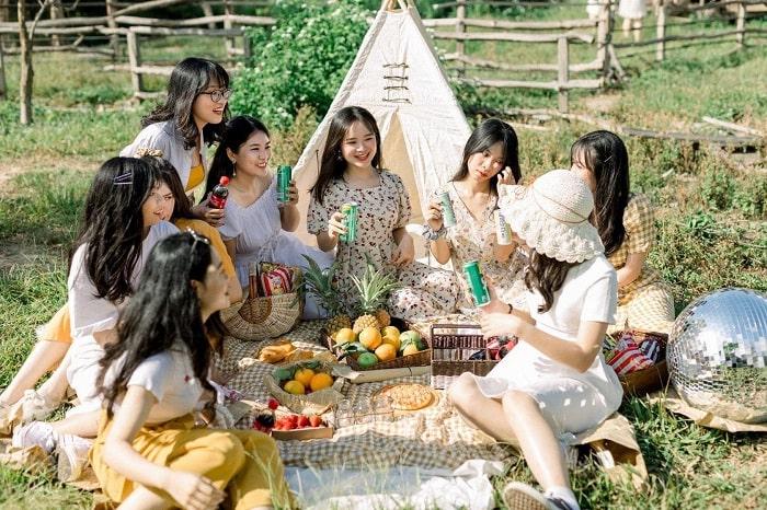 Wonderland eco-studio - beautiful wedding photography spot in Hai Phong makes couples fall in love.