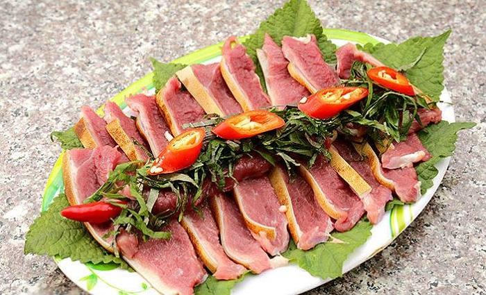Delicious eateries near Sao Beach Phu Quoc -De Ngon An Thoi Restaurant