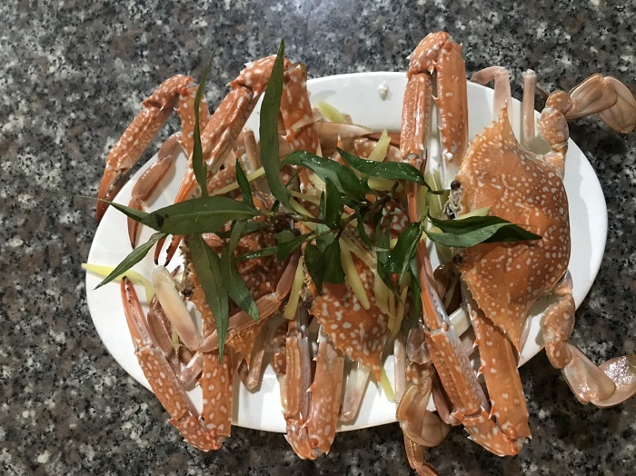 Delicious eateries near Sao Beach Phu Quoc -Oanh Seafood Restaurant