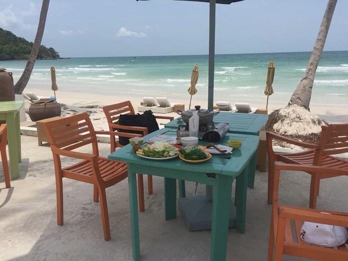 Delicious eateries near Bai Sao Phu Quoc -Paradiso Restaurant