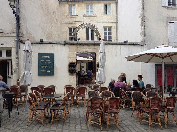 Quán bar L'Imprevu - Những hoạt động tham quan ở La Rochelle
