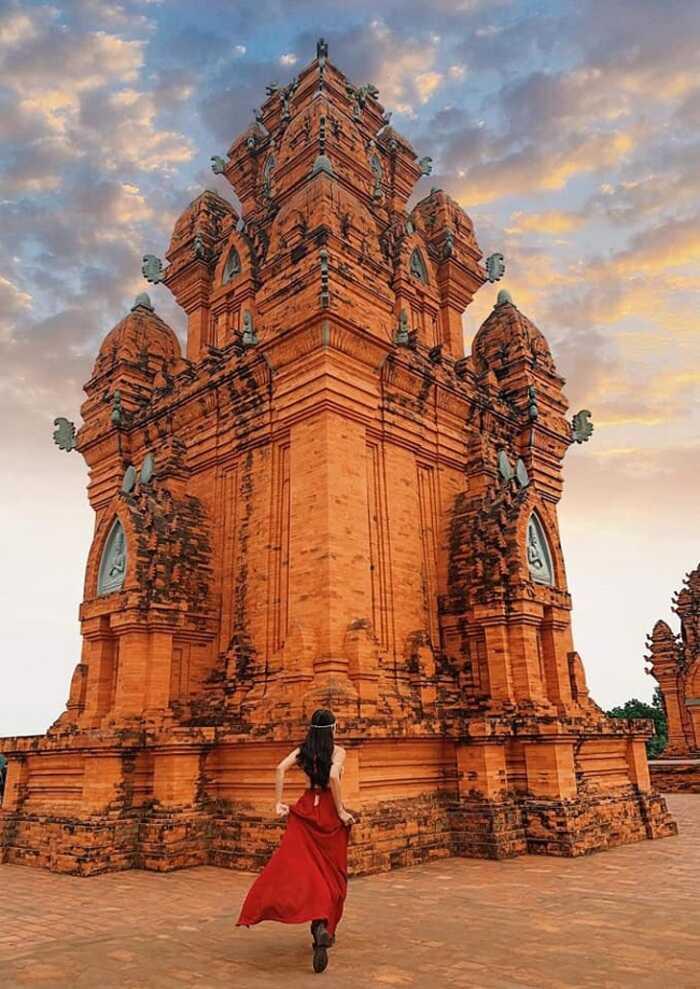Kinh nghiệm du lịch Phan Thiết - khám phá Tháp Chàm Poshanư