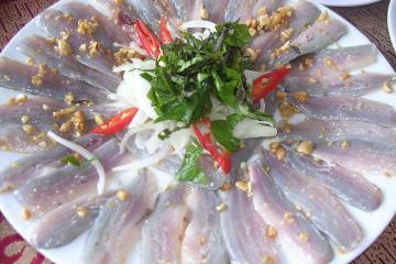 Đặc sản gỏi cá trích Phú Quốc ăn một lần nhớ mãi không quên