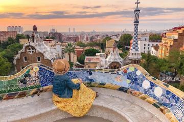 Lạc vào thế giới thần tiên tại công viên Guell ở Barcelona
