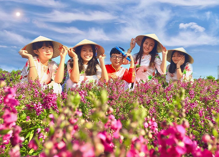 many flowers - the highlight of Four Seasons Flower Garden in Dong Nai