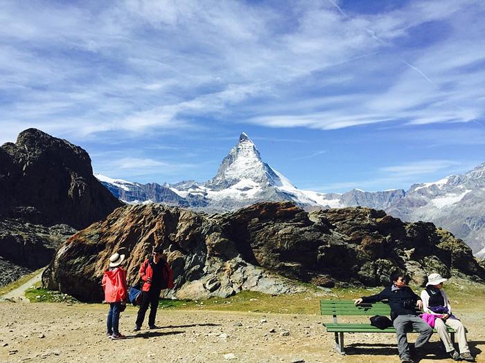 Khách du lịch Zermatt không nên bỏ qua cơ hội trải nghiệm chuyến đi bộ đường dài đến Seenwag.