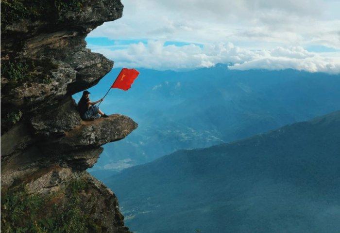 mỏm đá sống ảo siêu chất của Việt Nam