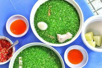 Về xứ Nẫu thưởng thức đặc sản bánh canh hẹ Phú Yên thơm ngon nức tiếng
