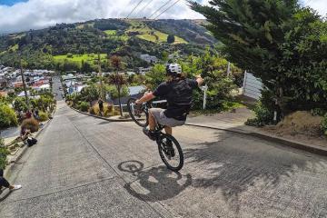 Chụp ảnh cực chất tại con phố sống ảo Baldwin New Zealand