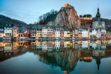 Kinh nghiệm du lịch Dinant - Thị trấn yên bình của Bỉ