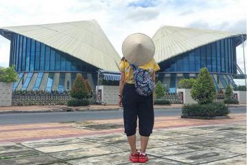 Đẹp đến sững sờ nhà hát Cao Văn Lầu Bạc Liêu