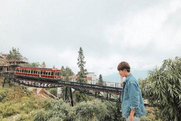 Trải nghiệm tuyến tàu hỏa leo núi hiện đại ngắm nhìn thung lũng Mường Hoa