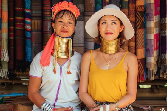 Khám phá nét văn hóa độc đáo ở ngôi làng cổ dài Chiang Mai