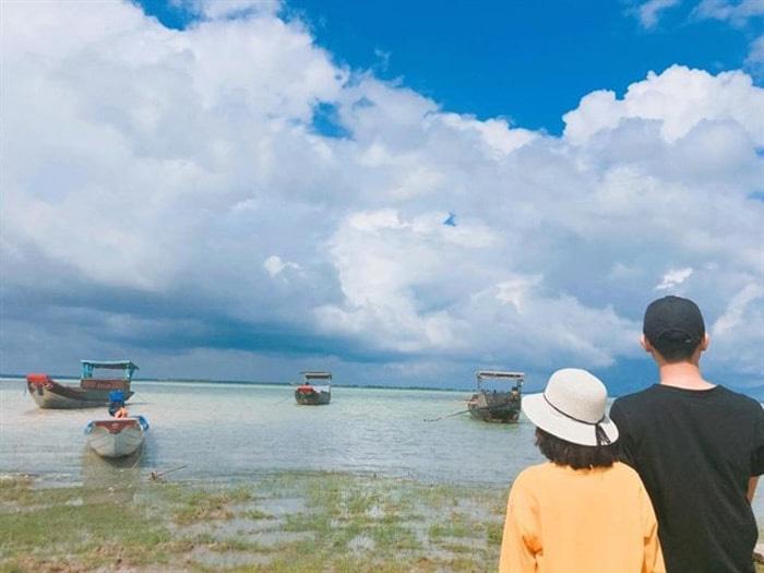 Thời điểm thích hợp để ghé thăm hồ Dầu Tiếng Tây Ninh là vào mùa hè.
