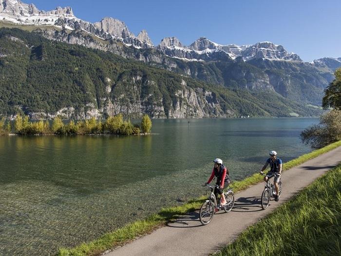Flumserberg - Hồ Walensee với khung cảnh thiên nhiên tuyệt đẹp