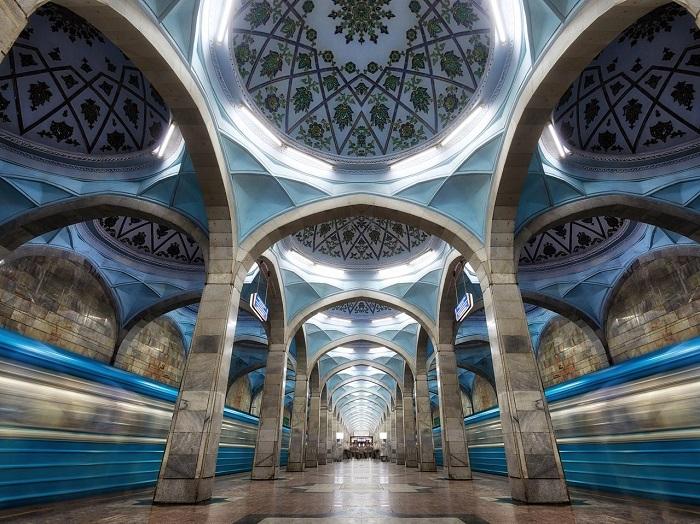 Tàu điện ngầm của Tashkent chỉ mới mở cửa cho khách chụp ảnh vào năm 2018 - Trải nghiệm trên Con đường Tơ lụa