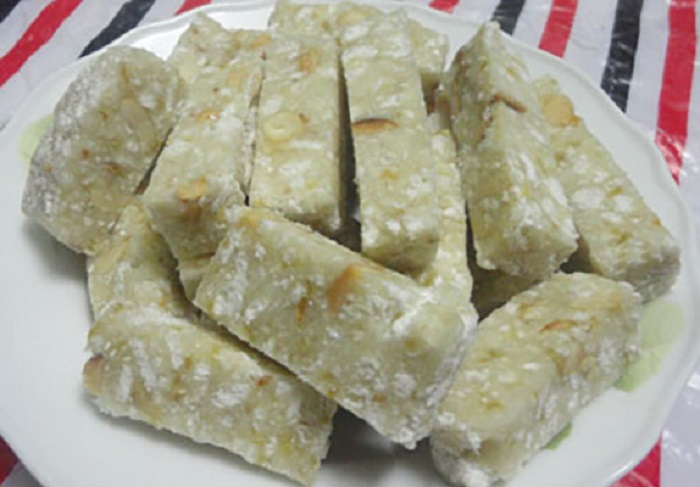 Kinh Mon specialty cake of Hai Duong as a gift