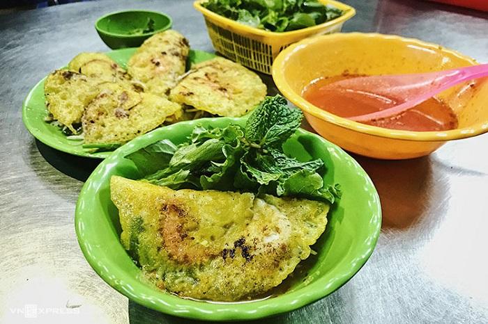 Bánh xèo - Món ăn vặt ở Phan Thiết