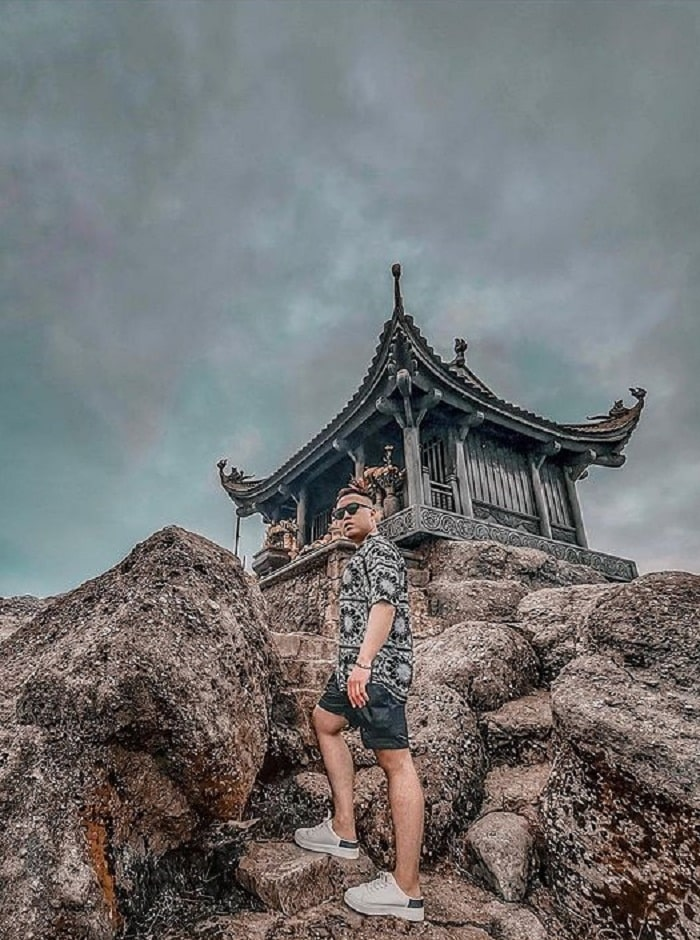 Conquering Dong Yen Tu pagoda