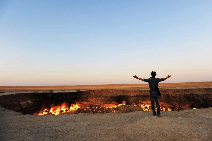 Miệng núi lửa Darwaza, Turkmenistan - Trải nghiệm trên Con đường Tơ lụa