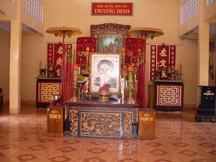 Bật mí kinh nghiệm du lịch Gò Công - Đền thờ người anh hùng Trương Định