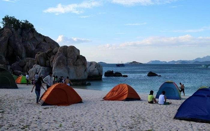 Cù Lao Câu - Địa điểm cắm trại ở Phan Thiết