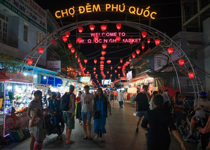 place to have dinner in Phu Quoc - Phu Quoc night market