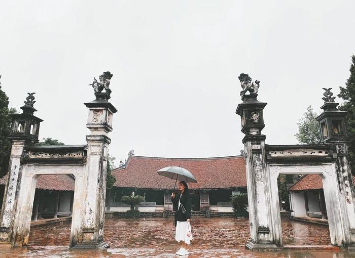 Đình làng Mông Phụ ở làng cổ Đường Lâm