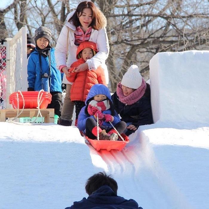 Japan travel month - February snow festival tuyết