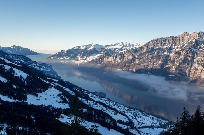 Dãy núi Flumserberg vào mùa đông - Hồ Walensee với khung cảnh thiên nhiên tuyệt đẹp