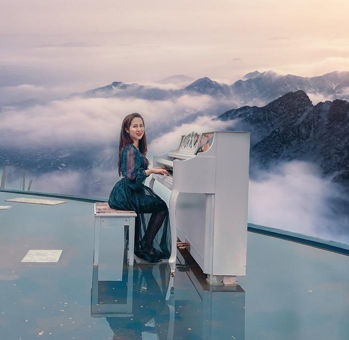 đàn piano - góc sống ảo đẹp tại Điểm sống ảo mới ở Sapa - Moana Sapa