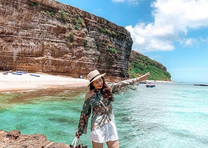charming mountain sea - the charm of Cau Cave