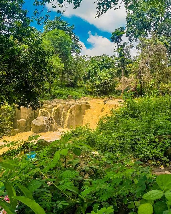 Vẻ đẹp của thác Đứng Bình Phước