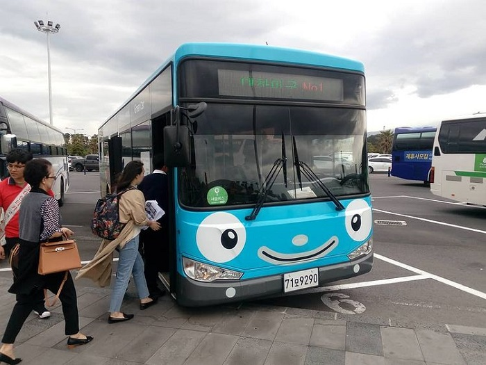 Jeju travel experience - traveling by bus