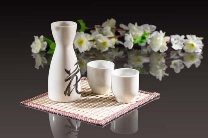 Kobe travel experience - try fresh sake