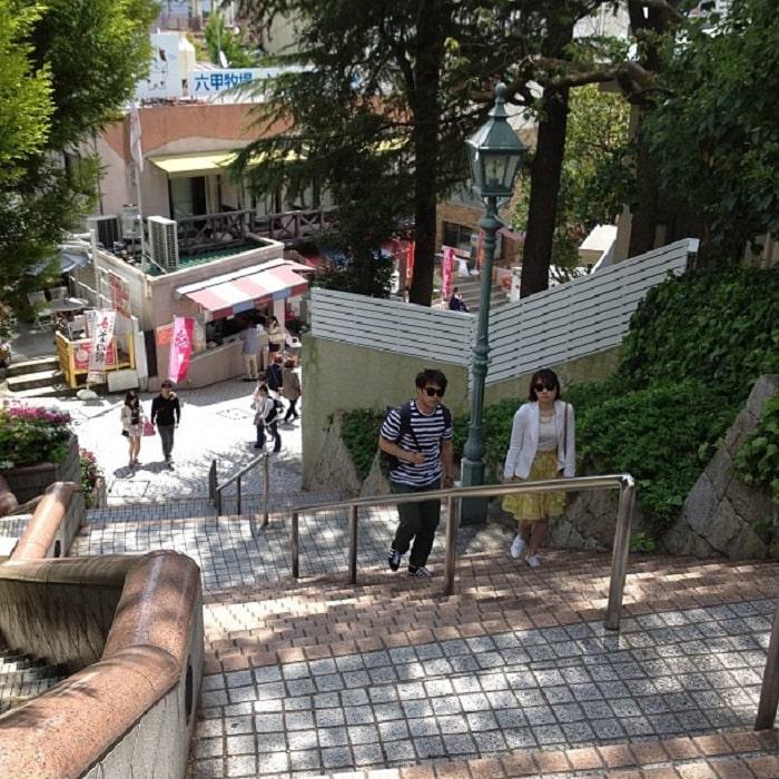 Kobe travel experience - visit Injinkan neighborhood