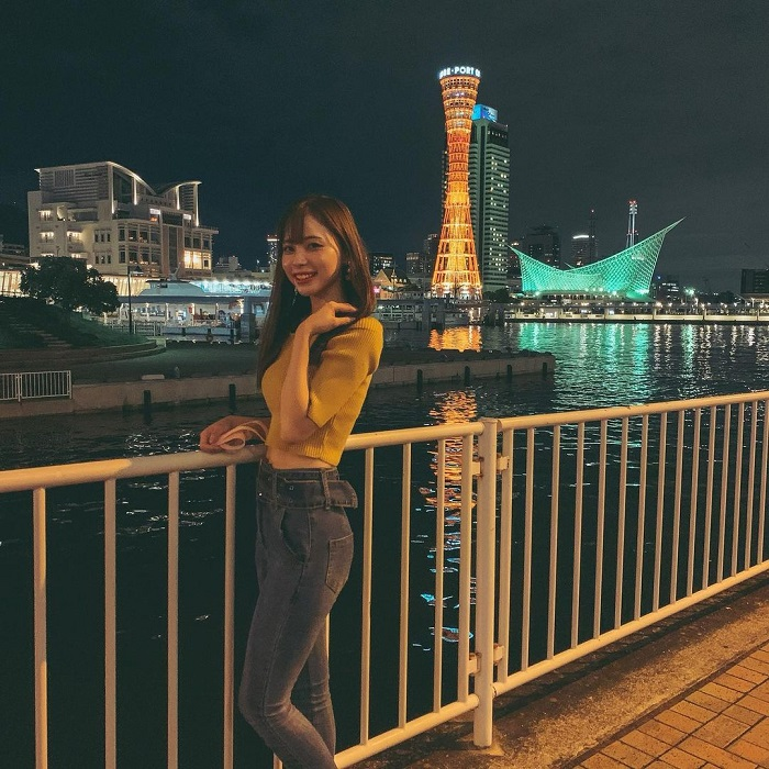 Kobe travel experience - night view of Port Tower