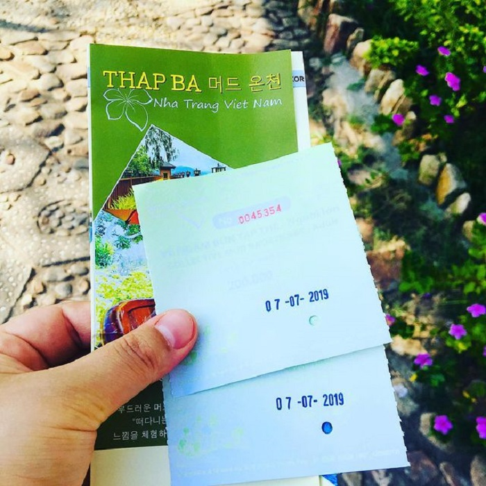 Experience in Thap Ba mineral spring bath, ticket price depends on the service