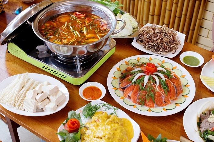 Lẩu cá hồi - Đặc sản ở Lào Cai
