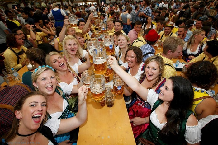 Trải nghiệm lễ hội bia Oktoberfest ở Đức có gì thú vị?