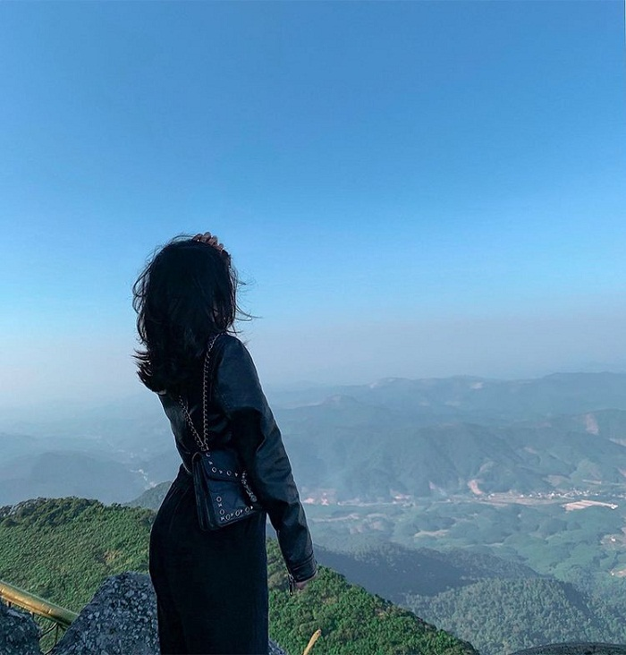 See the natural scenery from Dong Yen Tu pagoda